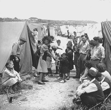 Camp de transit - Israël 1950.jpg