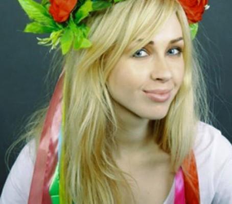 Alexandra Shevchenko ,Femen,Tunisie,Égypte,Maghreb,Algérie,Maroc,athéisme,sciences,culture,société,laïcité,politique,Europe,France,Eva Joly