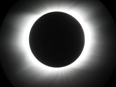 eclipses-totale-couronne.jpg