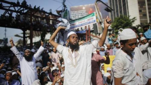 Bangladesh - des islamistes réclament la pendaison de blogueurs athées.png