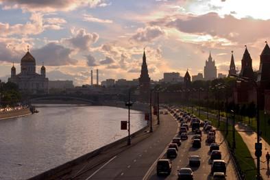 0 Kremlevskaya_Naberezhnaja_Moscow.hires.jpg