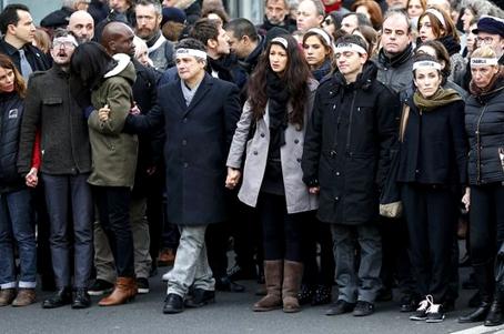 11janvier-l_immense-defi-lance-aux-politiques.jpg